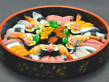 寿司(3~4人前から注文可)